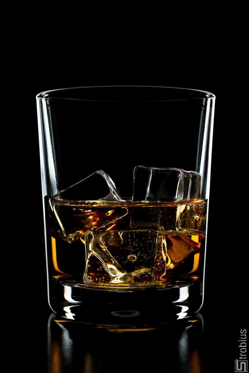 ice-glass-whiskey-strobius-001