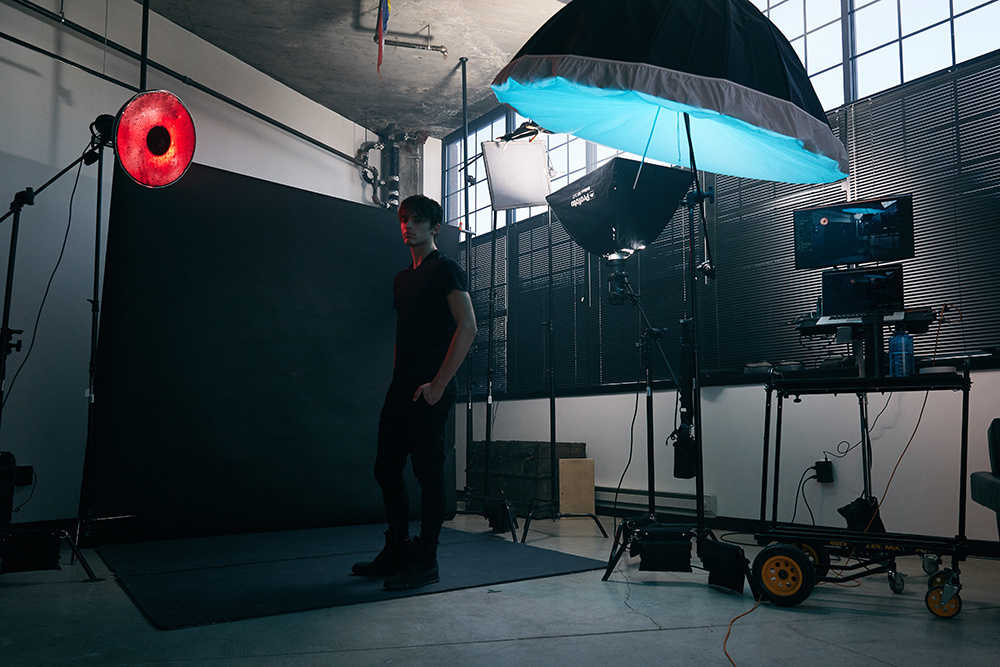 clay-cook-fstoppers-how-to-use-colored-gels-create-electric-editorial-photography-behind-the-scenes